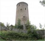 Fouilles - site castral de Joyeuse à Dunières (43)